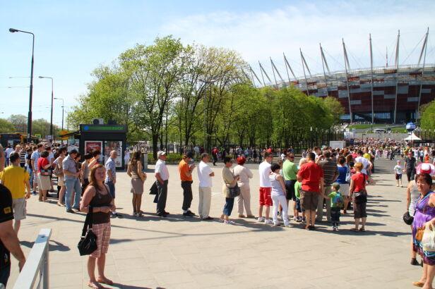 Tłumy przed stadionem Lech Marcinczak/tvnwarszawa.pl