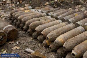CBŚ odkryło w lesie śmiercionośny arsenał