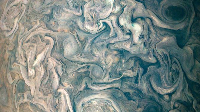 Kłębiące się chmury gazowego olbrzyma